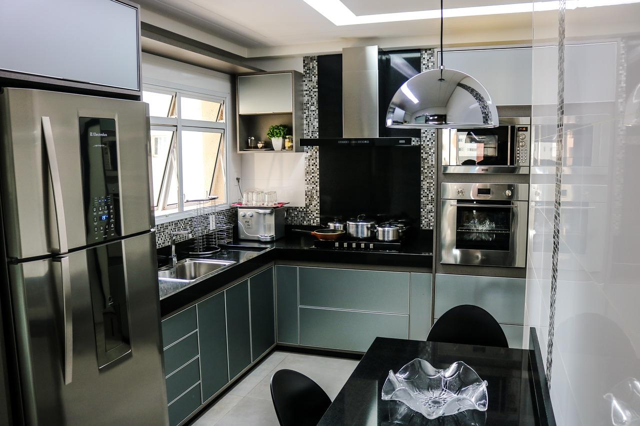 Comece o ano de cozinha nova! O inox deixa o ambiente mais moderno e sofisticado.